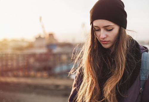 8 Signs You Were Brought Up By A Toxic Mother