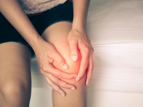 Crampi, gonfiore, insolazione: i rischi delle ondate di calore