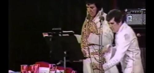 La dernière représentation d'Elvis n'a pas été vue jusqu'à présent: écoute la charmante chanson ici ! (vidéo) By Apost.com 6a917bef29a7dd00bd7776f79626d5f2_500x1