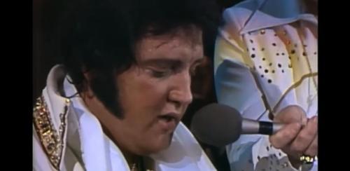 La dernière représentation d'Elvis n'a pas été vue jusqu'à présent: écoute la charmante chanson ici ! (vidéo) By Apost.com E8cfac832c04c5ac01e22a382dd99073_500x1