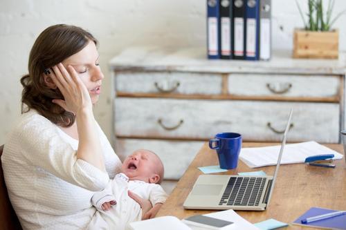 Ficar em casa com crianças é MUITO mais difícil do que trabalhar fora