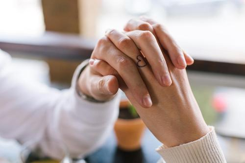 The Way You Hold Hands With Your Partner Reveals Something