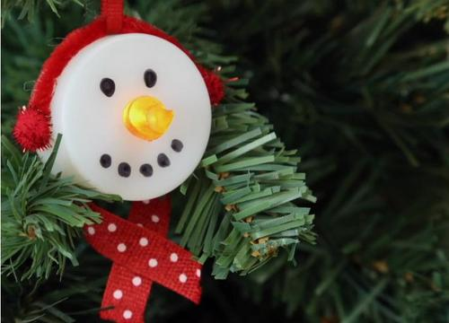 Reuse Your Tea Lights As Pretty Snowman Ornaments Using This