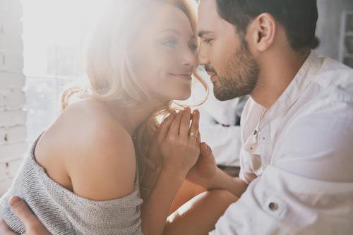 Dating dwerggroei meisje houdt van katten online dating