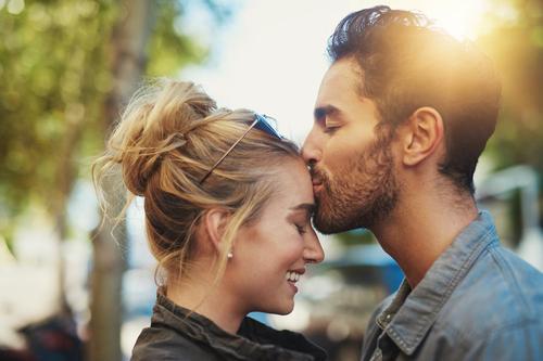Die Art seiner Küsse verrät, was er für Dich empfindet