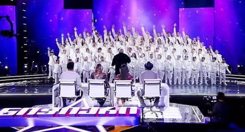 Children's Choir Sings 'Bohemian Rhapsody', Everyone Has