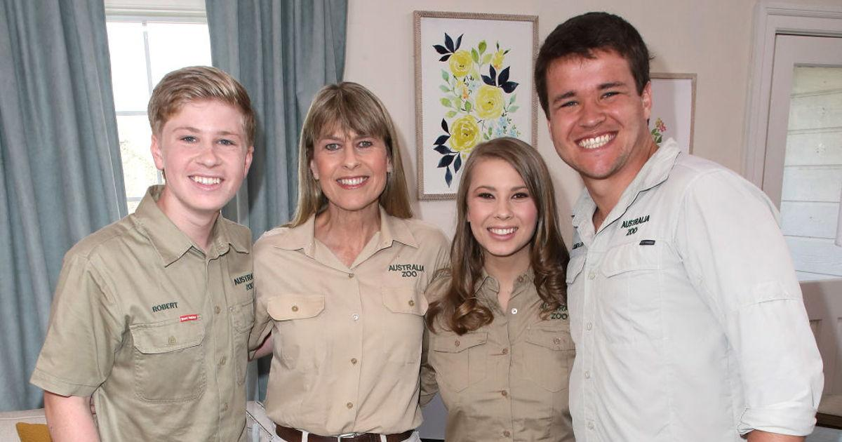 """""""So Thankful To Call You All Family!"""" Bindi Irwin's Fiancé Chandler Powell Gushes Over Her Family"""